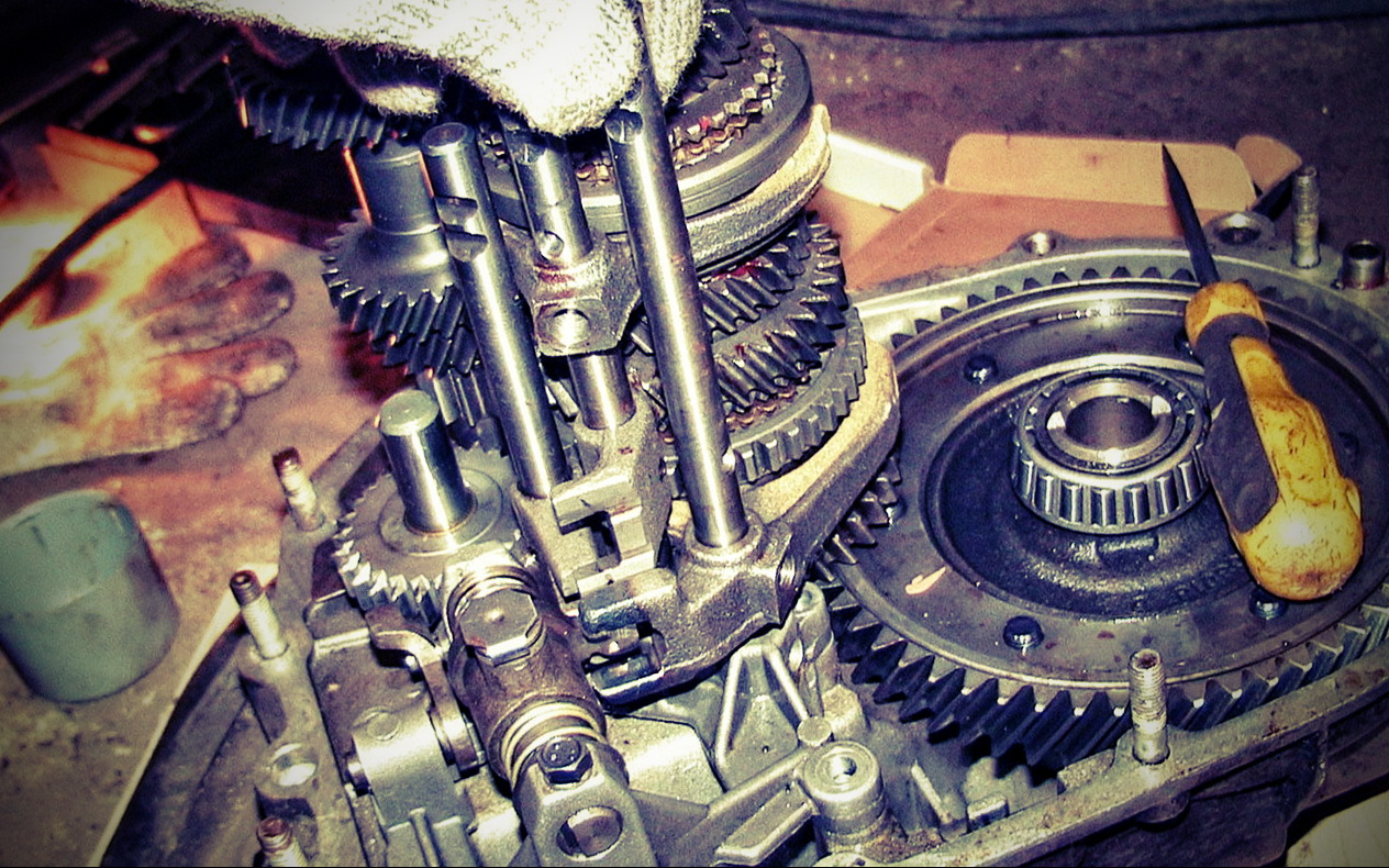 ремонт КПП грузовика
